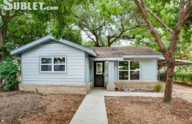 322 Russell Place - 322 East Russell Place, San Antonio, TX 78212