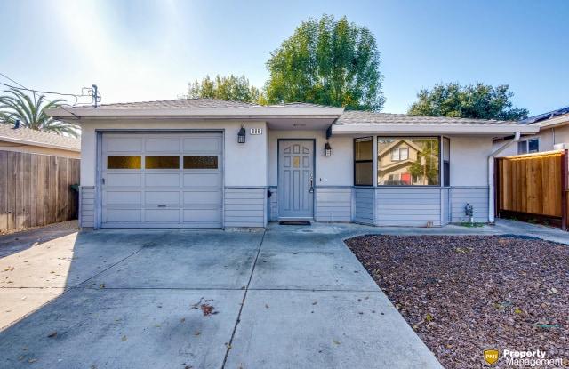 896 Coolidge Ave - 896 Coolidge Avenue, Sunnyvale, CA 94086