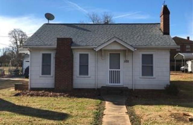 502 Church Street - 502 Church St, Belmont, NC 28012