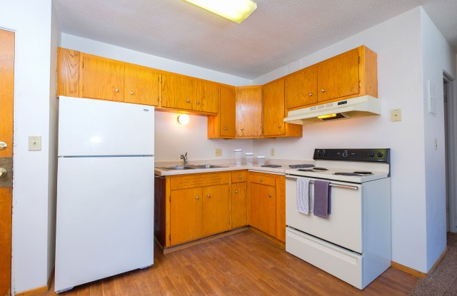 Morningside Apartments - 825 14th Street North, Fargo, ND 58102