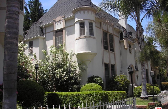 6542 W Olympic Blvd - 6542 West Olympic Boulevard, Los Angeles, CA 90035