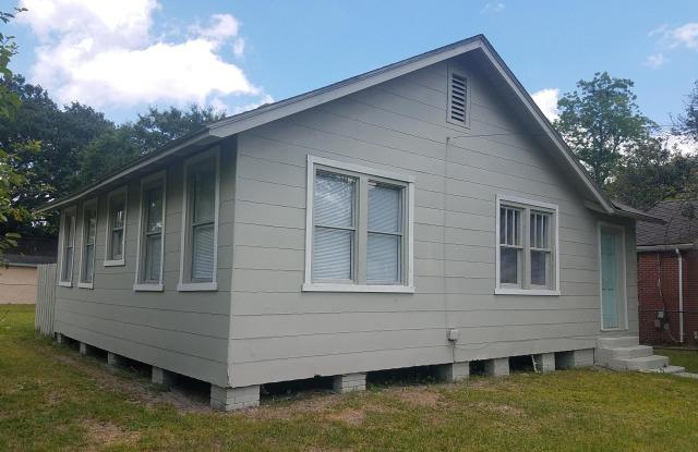 205 E 44TH ST - 205 East 44th Street, Jacksonville, FL 32208