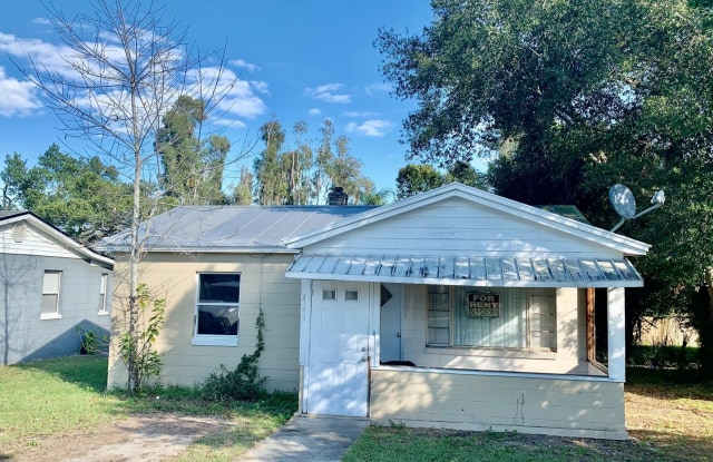 1143 Gilmore Ave. - 1143 North Gilmore Avenue, Lakeland, FL 33805