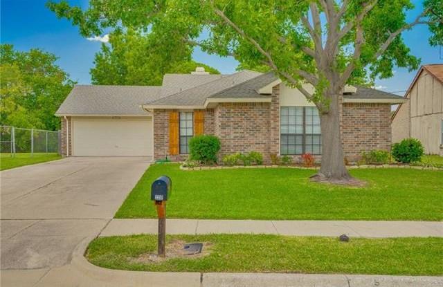 2217 Villanova Street - 2217 Villanova Street, Arlington, TX 76018