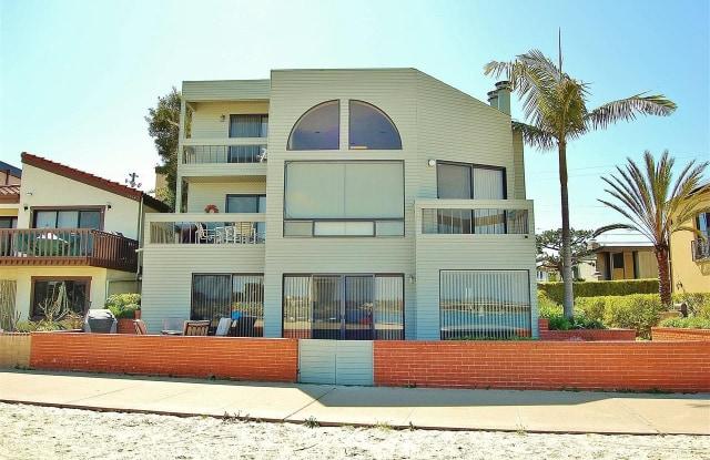 831 Anacapa Court - 831 Anacapa Ct, San Diego, CA 92109