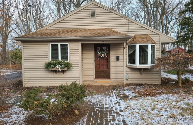 124 Mountain View Rd - 124 Mountain View Road, Hartford County, CT 06489