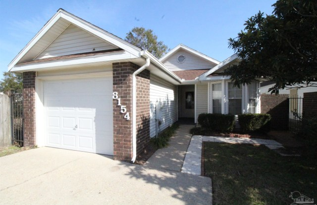 8154 TREETOP LN - 8154 Treetop Lane, Ferry Pass, FL 32514