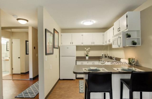 Ridgewood Arches - 223 Ridgewood Ave, Minneapolis, MN 55403