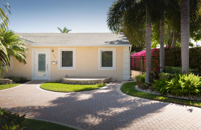 356 Murray Road - 356 Murray Road, West Palm Beach, FL 33405