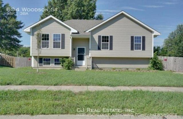 604 Woodson St - 604 Woodson Street, Kearney, MO 64060