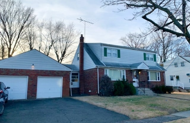 51 ROSENGREN AVE - 51 Rosengren Avenue, Totowa, NJ 07512