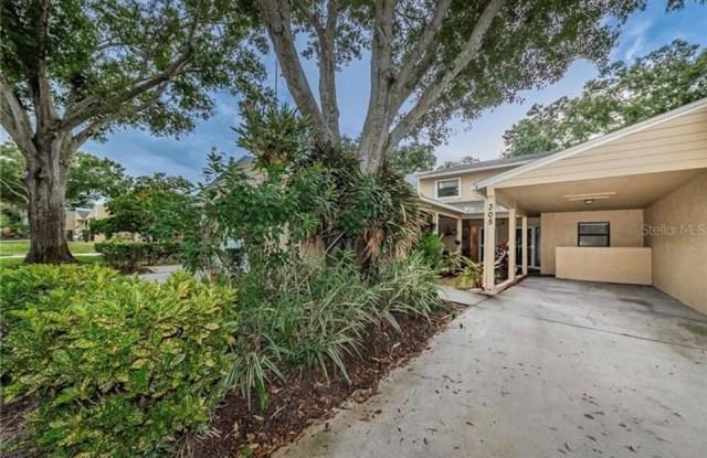 305 SOMERSET LANE - 305 Somerset Lane, Palm Harbor, FL 34684