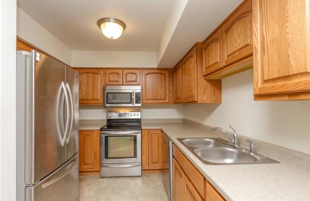 2609 Olive St 3SE - 2609 Olive Street, Cedar Falls, IA 50613