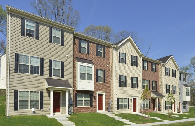 Pointe at Manorgreen Townhomes - 201 Middleway Road, Baltimore, MD 21220