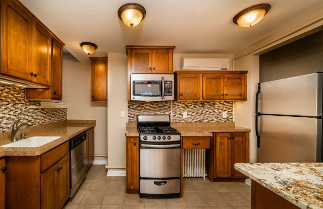 Rustic Lodge Apartments - 4815 Nicollet Ave S, Minneapolis, MN 55419