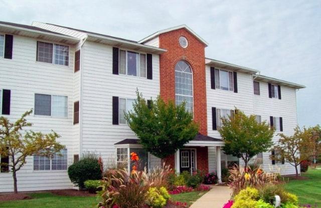 Cambridge Court Apartments - 14909 Hummel Rd, Brook Park, OH 44142