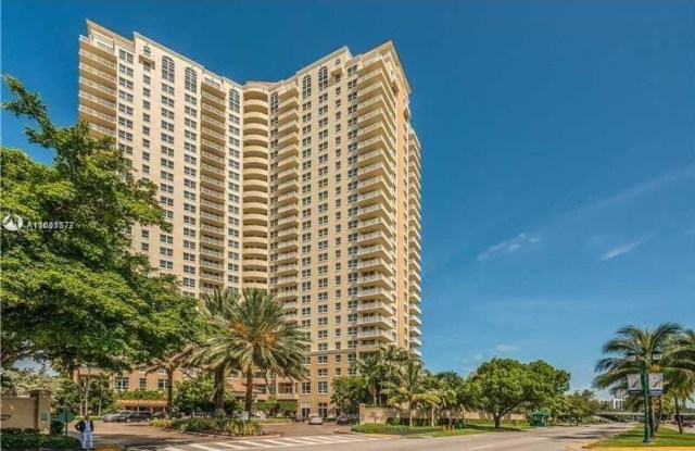 19501 W Country Club Dr - 19501 West Country Club Drive, Aventura, FL 33180