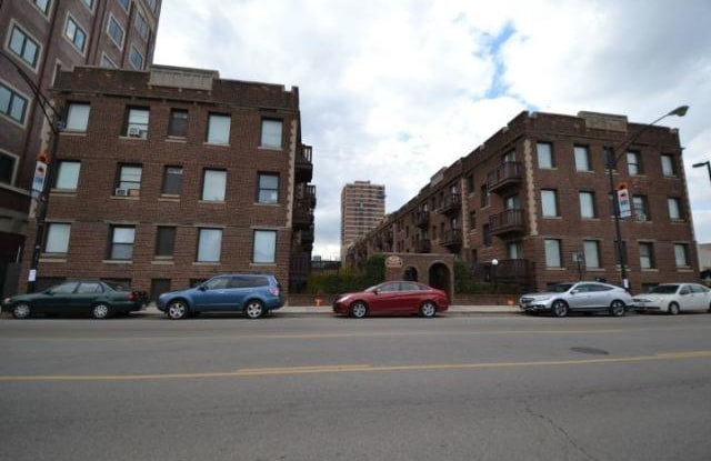 3028 Halsted - 3028 South Halsted Street, Chicago, IL 60608