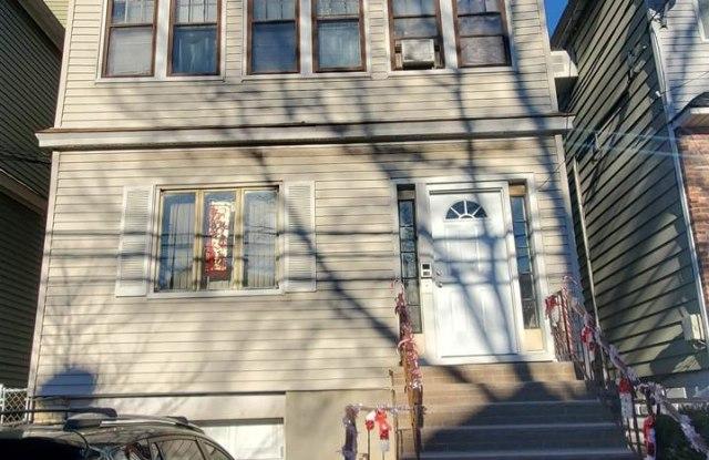 133 WEST 52ND ST - 133 West 52nd Street, Bayonne, NJ 07002