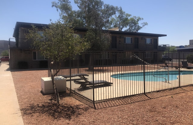 3055 North Tyndall Avenue - 10 - 3055 North Tyndall Avenue, Tucson, AZ 85719