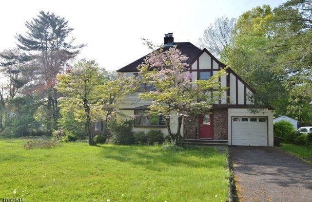 123 CATHEDRAL AVE - 123 Cathedral Avenue, Florham Park, NJ 07932