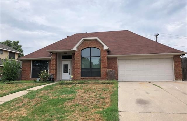 2736 Wentworth Drive - 2736 Wentworth Drive, Grand Prairie, TX 75052