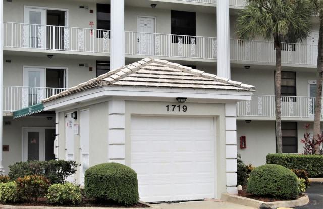"""""""1719 White Hall Dr Apt 401 - 1719 White Hall Drive, Davie, FL 33324"""""""