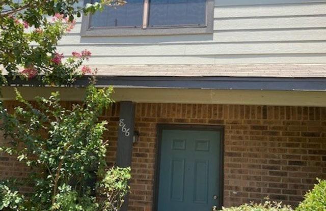 866 W. Collins St. - 866 W Collins St, Denton, TX 76201