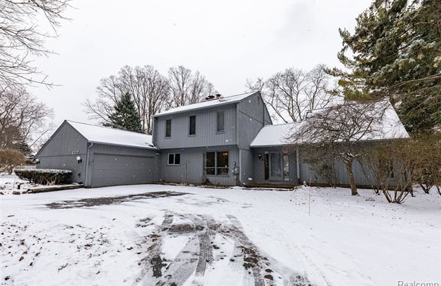 6247 WILLOW Court - 6247 Willow Court, Oakland County, MI 48324