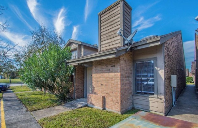 150 Pecan Drive - 150 Pecan Dr, League City, TX 77573