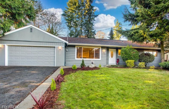 649 130TH AVE NE - 649 130th Avenue Northeast, Bellevue, WA 98005