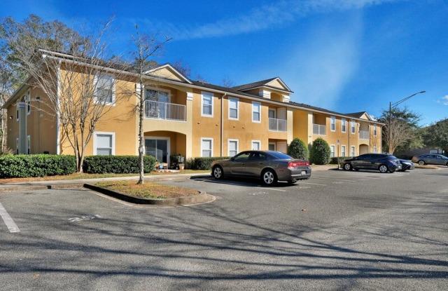 6965 Ortega Woods Dr - 6965 Ortega Woods Drive, Jacksonville, FL 32244
