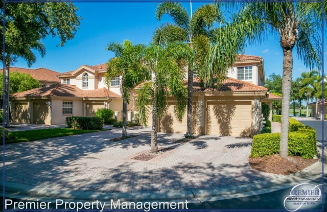 526 Laguna Royale Blvd. #302 - 526 Laguna Royal Boulevard, Vineyards, FL 34119