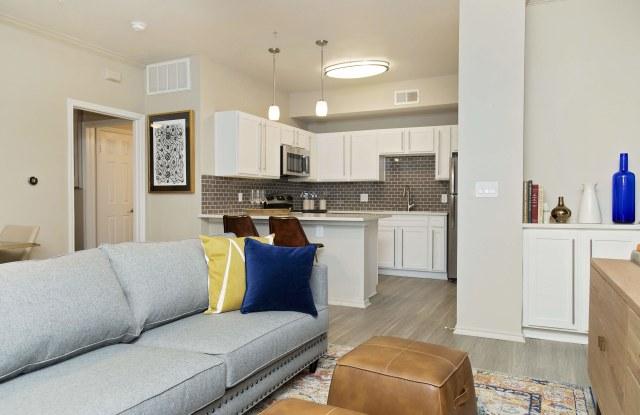 La Costa Villas Apartments - 12500 Merit Dr, Dallas, TX 75251