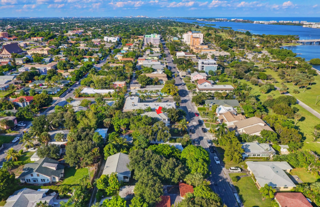 313 S Lakeside Drive - 313 South Lakeside Drive, Lake Worth, FL 33460