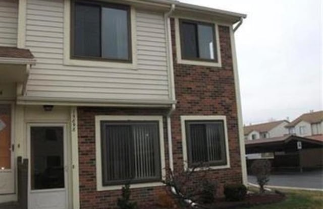 15898 ORCHARD Lane - 15898 Orchard Lane, Roseville, MI 48066