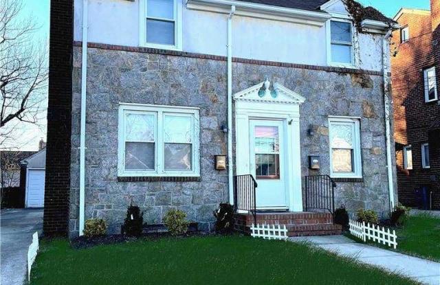 69 Sheridan Avenue - 69 Sheridan Avenue, Williston Park, NY 11596