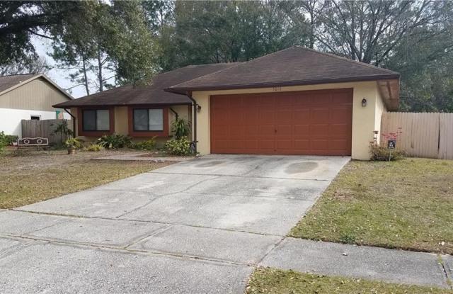 5010 PENNSBURY DRIVE - 5010 Pennsbury Drive, Northdale, FL 33624