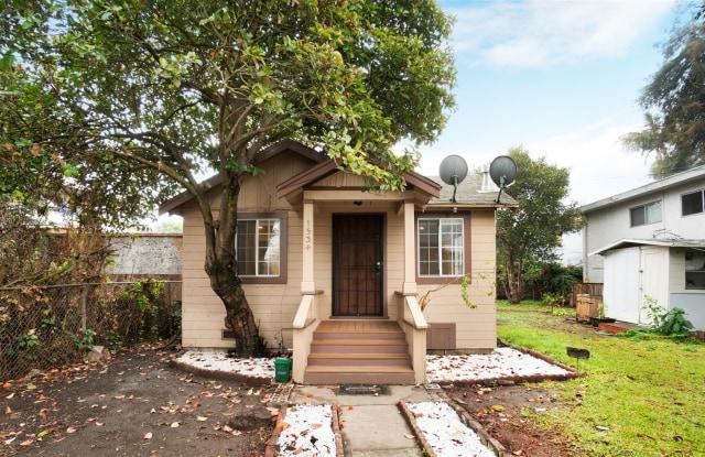 1534 Woolsey St - 1534 Woolsey Street, Berkeley, CA 94703