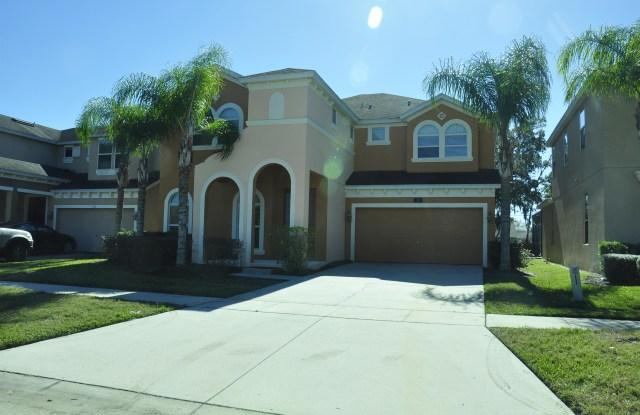 131 Las Fuentes Drive - 131 Las Fuentes Drive, Kissimmee, FL 34746