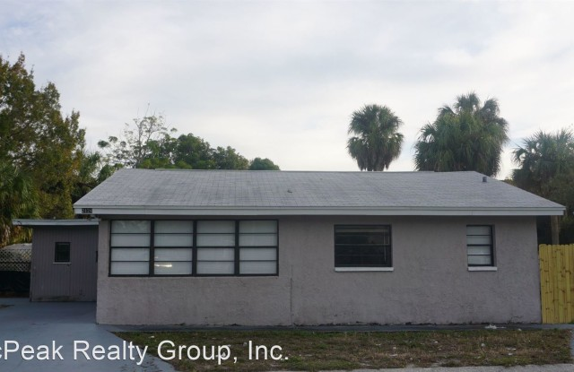 """""""2124 11th Ave S - 2124 11th Avenue South, St. Petersburg, FL 33712"""""""