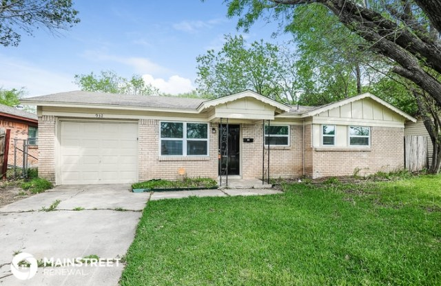 932 Russell Road - 932 Russell Road, Everman, TX 76140