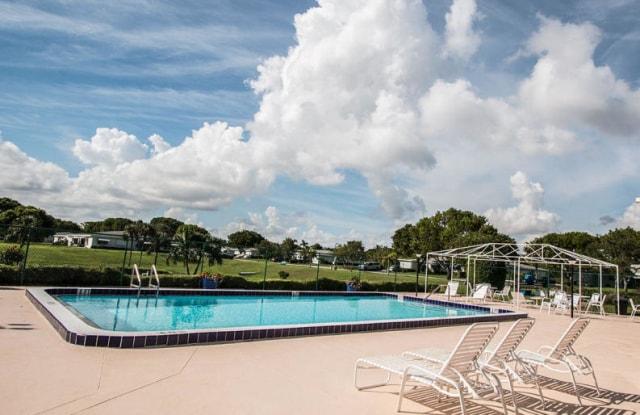 1086 S Oakridge Circle - 1086 South Oakridge Circle, San Castle, FL 33462