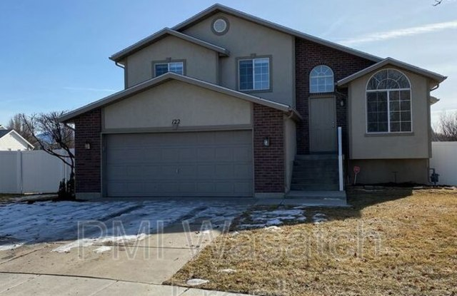 """""""122 E 2225 S - 122 East 2225 South, Clearfield, UT 84015"""""""