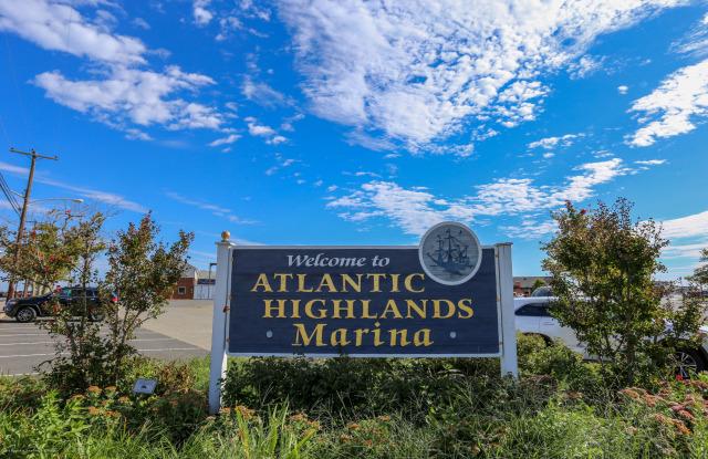 35 Ocean Boulevard - 35 Ocean Boulevard, Atlantic Highlands, NJ 07716