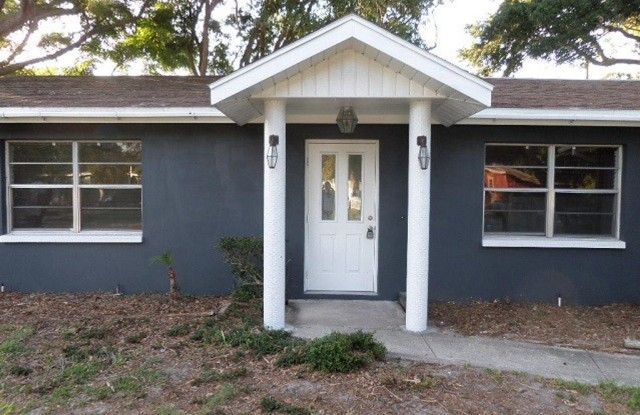 2276 N Lagoon Circle - 2276 North Lagoon Circle, Pinellas County, FL 33765