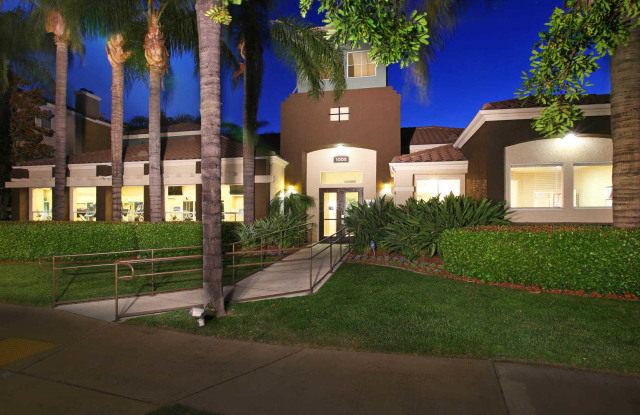Centre Club Apartments - 1005 N Center Ave, Rancho Cucamonga, CA 91730