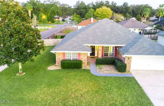 551 TIMBER TRACE CT - 551 Timber Trace Court, Oakleaf Plantation, FL 32073
