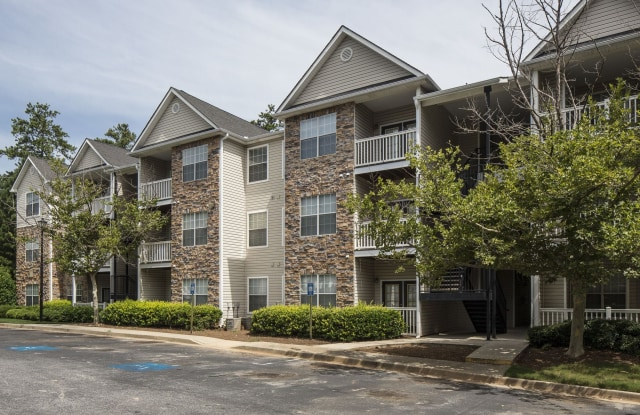 Parkway Grand Apartment Homes - 100 Woodberry Pl, Decatur, GA 30034
