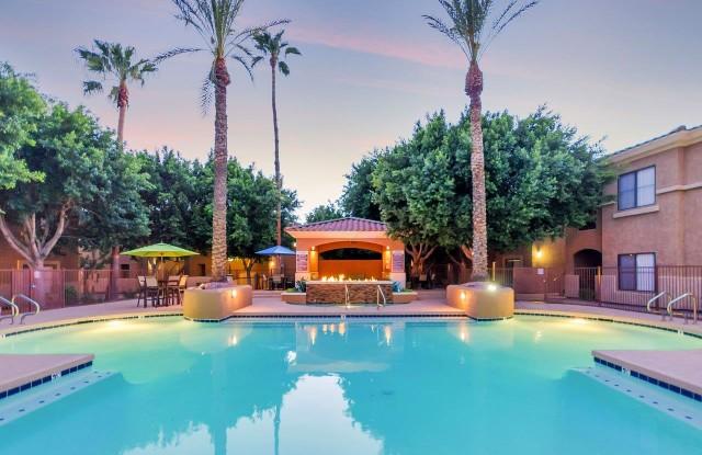 Solis at Towne Center - 17600 N 79th Ave, Glendale, AZ 85308